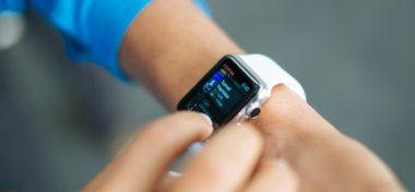 Apple Watch na potetovaném zápěstí špatně fungují