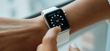 Podívejte se na přeuspořádávání plochy na Apple Watch